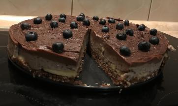 Čokoladno-voćna torta