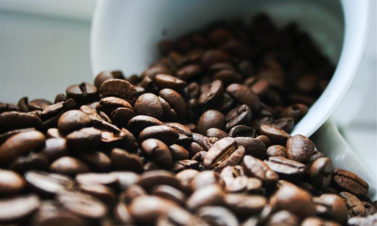 Šta kafa radi vašem tijelu! Hemijske reakcije, toksičnost i bolesti